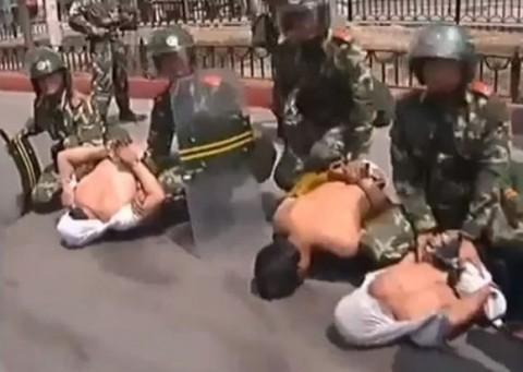ウイグル人大量殺戮、虐殺、弾圧について(画像)