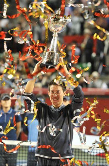 錦織圭楽天オープン2014優勝カップ