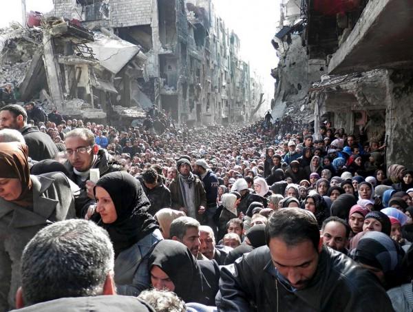 廃墟の街とシリア難民